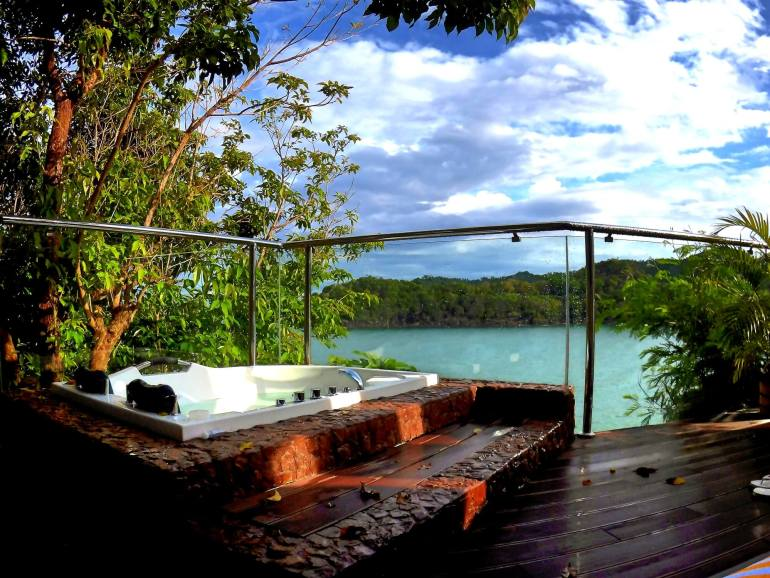 Cliffside casita jacuzzi