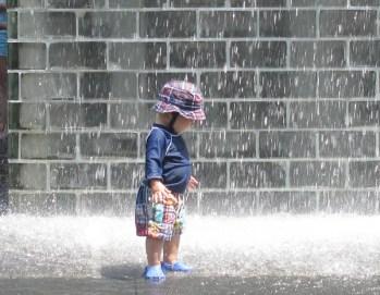 fountain amazed