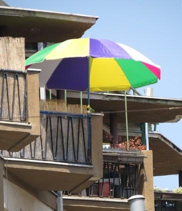 balcony color