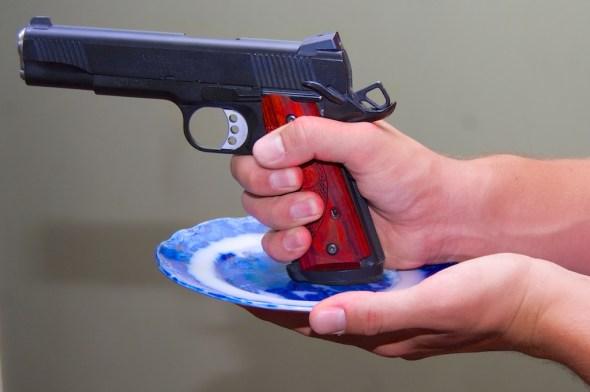 Cup and saucer handgun grip