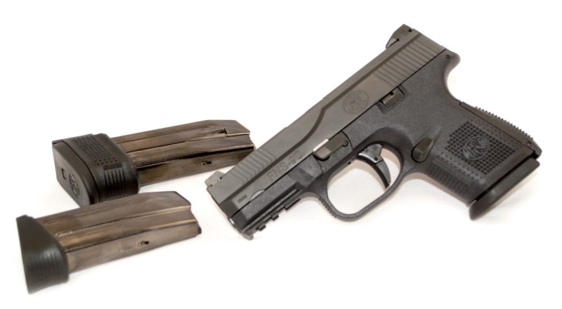 The FNS 9 Compact comes with three magazines.