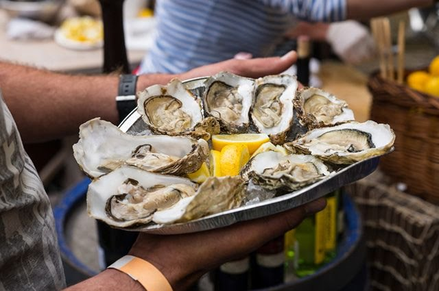 oysters on tray
