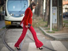 Pantaloni-a-zampa-d-elefante-Idee-dallo-streetstyle_image_ini_620x465_downonly (2)