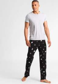 https://www.zalando.it/your-turn-pantaloni-del-pigiama-black-yo182ba05-q11.html?zoom=true