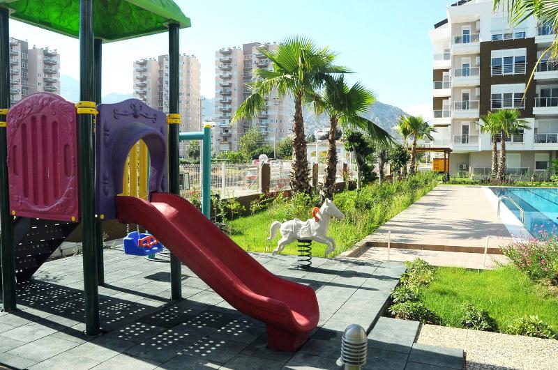 Детская площадка комплекса Kanyon 3 Emerald Green