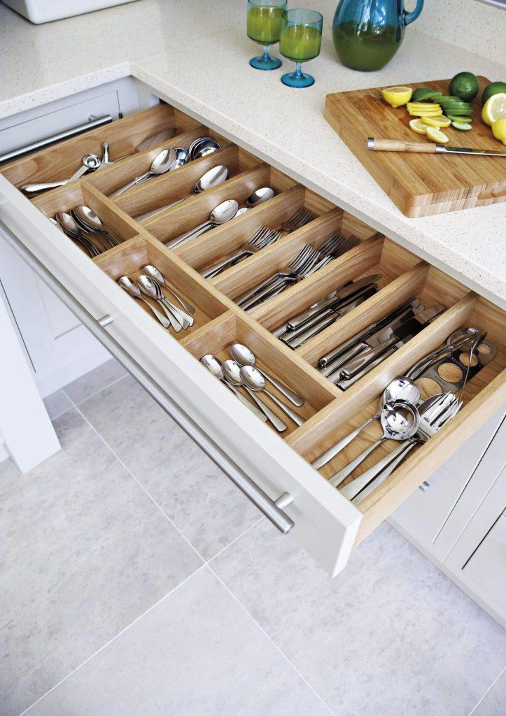 Cabinet design for kitchen utensils