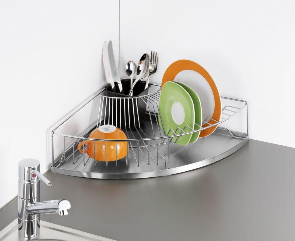 Space saving corner dish drainer
