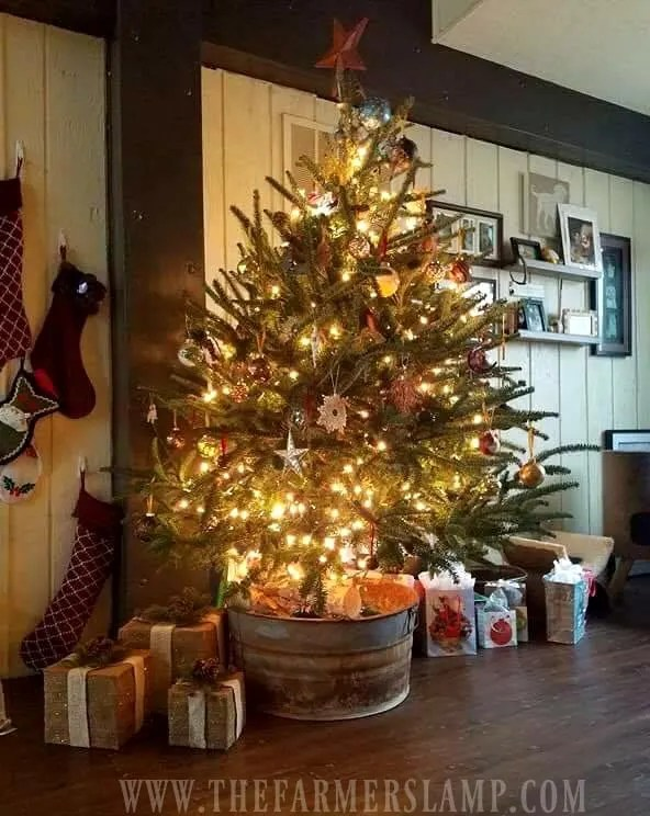 7 Decorating Ideas For An Old Fashioned Christmas