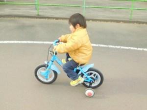 補助輪付自転車