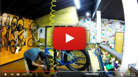 Time lapse fat bike build at Hometown Bicycles