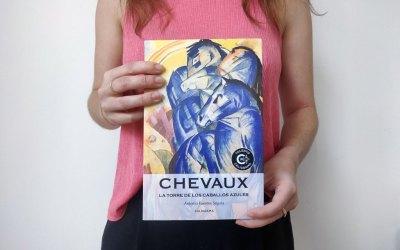 Leyendo «Chevaux, la torre de los caballos azules»