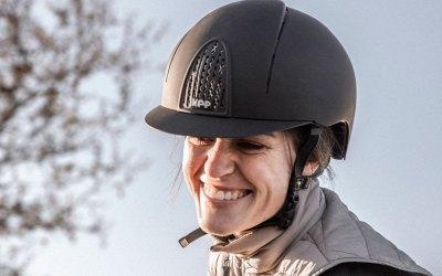 La seguridad es lo primero: siempre con casco
