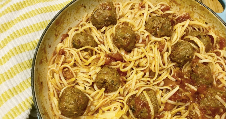 Spaghetti Meatballs {Don't be upsettti eat da spaghetti}