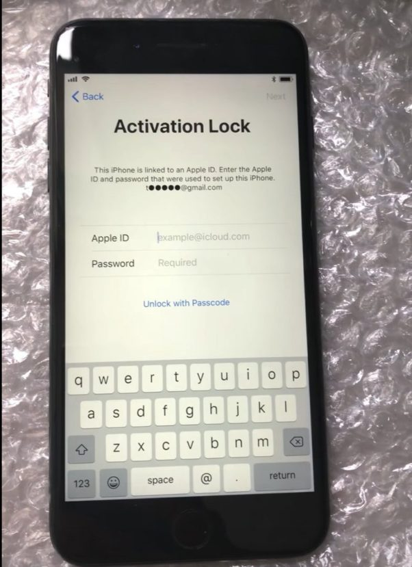 Activation Lock Passcode option iOS11 Bug
