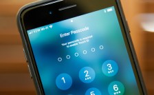 Unlock iPhone/iPad Passcode Screen using software