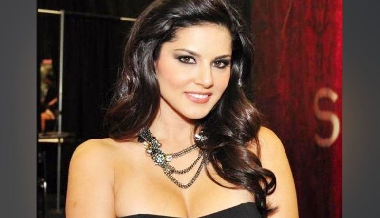 Photo of Birthday Gallery: You will not be able to see from these top 10 photographs of Sunny Leone, heart will look again and again