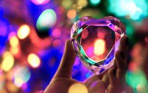 Działanie z poziomu czakry serca – jak go osiągnąć i nie spadać w dół?