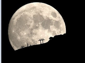 Piece of Moon fell on earth for sale at £2.5 Mn - 19 Crores
