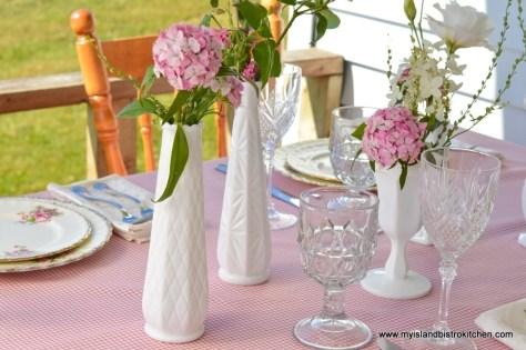 Simplistic Floral Arrangements