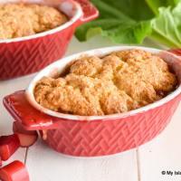 Single servings of Rhubarb dessert