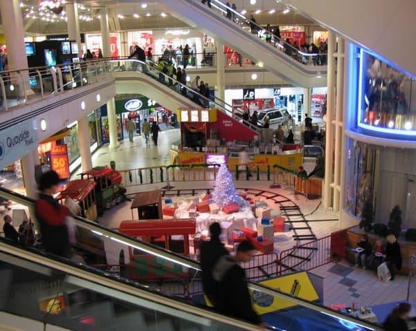 fare shopping di cambio stagione Porta con te un personal shopper!