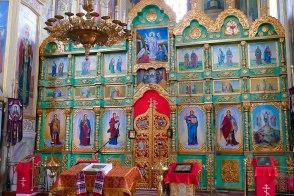 В честь памяти погибших воинов интернационалистов в Спасо-Преображенском храме Изюма состоялась панихида