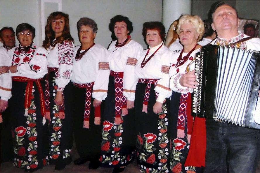 Коллектив «Ветеран - Криниченька» ноябрь 2013 год Изюм