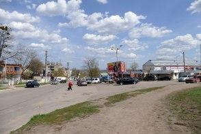 Начало улицы Капитана Орлова (вправо), улица Гагарина (прямо)