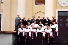 Хор «Ветеран» после концерта празднования Дня Победы 9 Мая в 2005 году, Дворец Культуры города Изюм