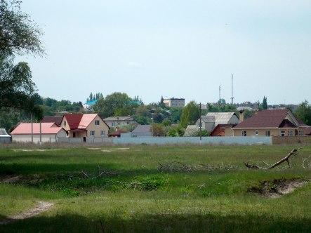 Вид на поликлинику и горисполком Изюма
