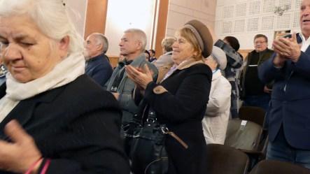 Бурные аплодисменты хору «Криниченька» (Ветеран)
