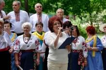 Валентина Николаевна Лисаченко ведет праздничный концерт