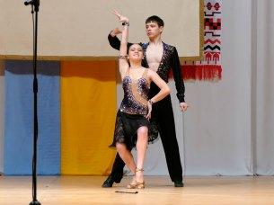 Виртуозное исполнение латиноамериканского стиля бальных танцев