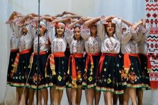 Танец - Молдавская сюита «Біля річки, біля броду»