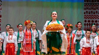 Солистка образцового аматорского ансамбля народного танца «Вдохновение»