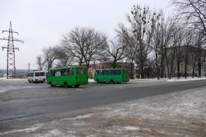 Маршрутные автобусы ждут своего графика выхода на линию