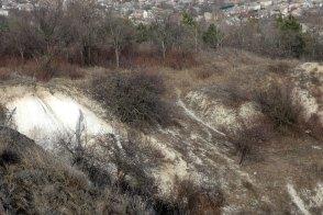 Шикарный овраг на склоне горы Кремянец