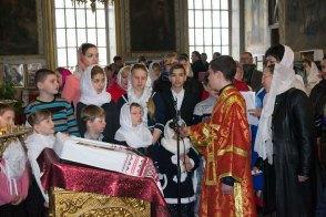 Дети с воскресной школы при храме исполнили праздничный концерт