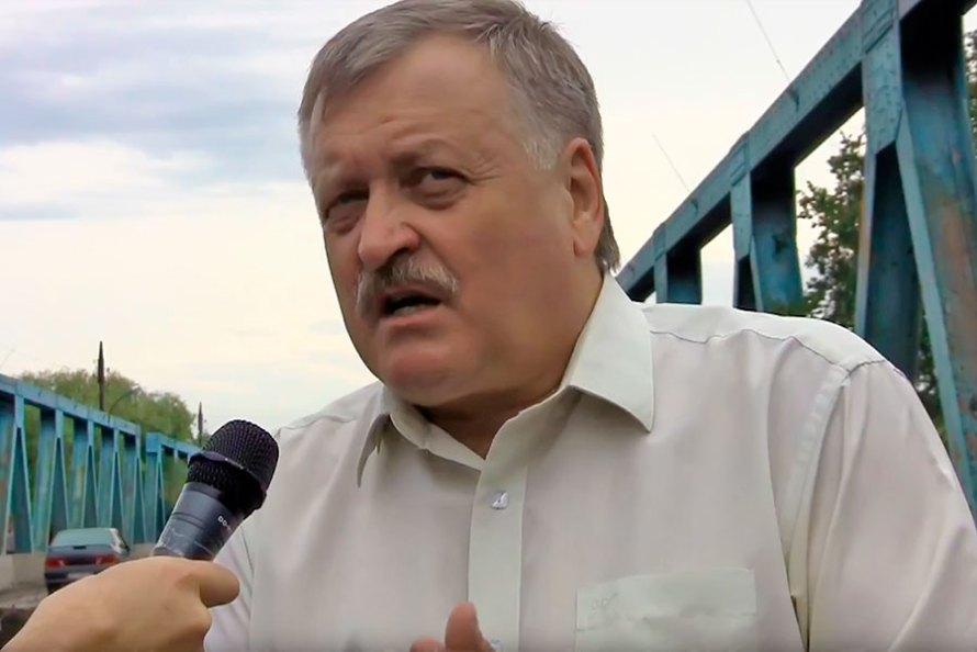 Заместитель председателя ХОГА Евгений Шахненко во время рабочей поездки в Изюм