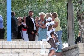 Ведущий концерта - Дмитрий Винник и представители культуры города Изюм