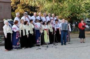На проспекте Независимости состоялся праздничный концерт посвященный дню первого микрорайона города