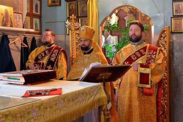 Протодиакон Свято-Вознесенкого кафедрального собора Димитрий Шилько (на фото справа)