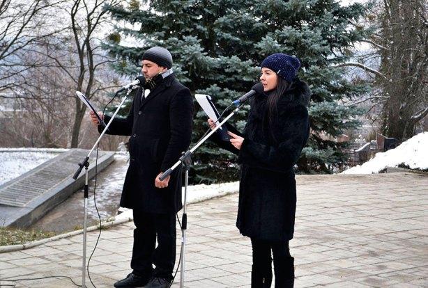 Ведущие: Дмитрий Винник и Юлия Зушенская