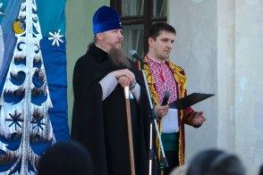 Митрополит Изюмский и Купянский Елисей и ведущий Максим Кондратьев