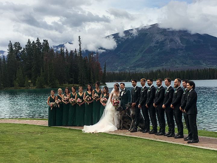 wedding-party-at-jasper-park-lodge