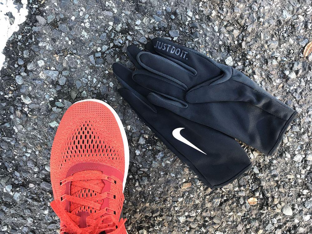 nike shoes glove