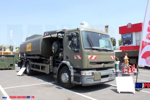 French Army Renault Premium 370 Desautel aircraft refueling truck (Avitailleur) of the Service des Essences des Armées (SEA), Eurosatory, 06/2014.