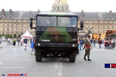 French Army Renault TRM 700-100 of the 516e Régiment du Train (516e RT) & Leclerc MBT of the 12e Régiment de Cuirassiers (12e RC), Esplanade des Invalides, Paris, July 14, 2011.