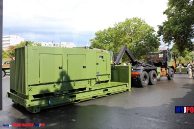 French Army Renault G290 VTL CE (Centrale Energie 80 kW) of the 6e Régiment du Génie (6e RG), Place de la Nation, July 14, 2010.
