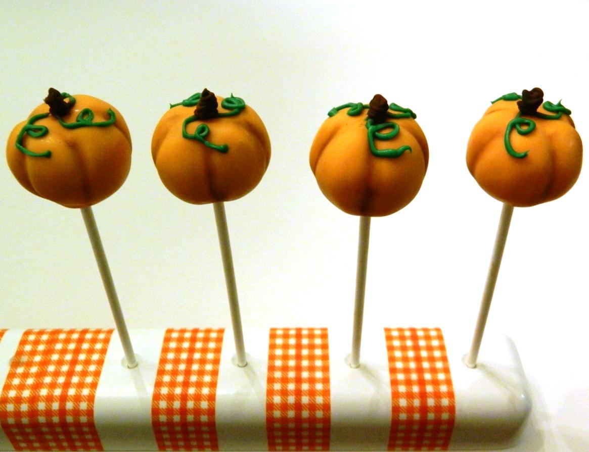 Pumpkin Cake Pops Tutorial